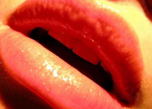 Lèvres humides.jpg